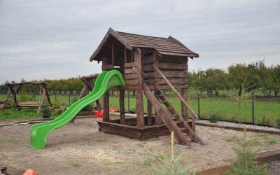 domek drewniany dla dzieci , huśtawka , piaskownica , zjeżdżalnia