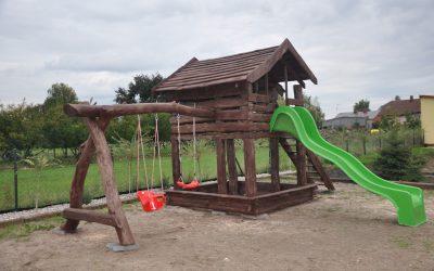 domek drewniany dla dzieci , huśtawka, piaskownica, zjeżdżalnia