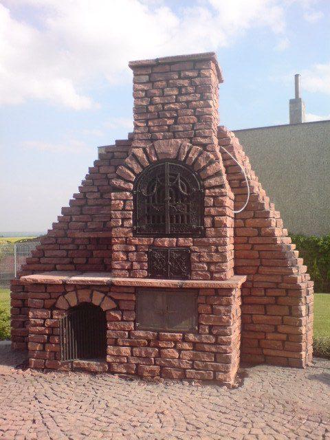 grill , wędzarnia z kamienia