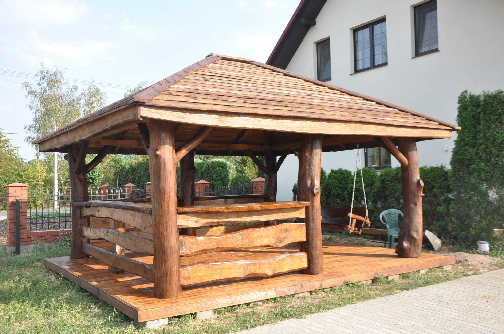 altana drewniana kryta deską