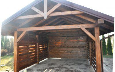 drewniana wiata garażowa